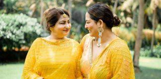Sakshi Sidhwani and her mom
